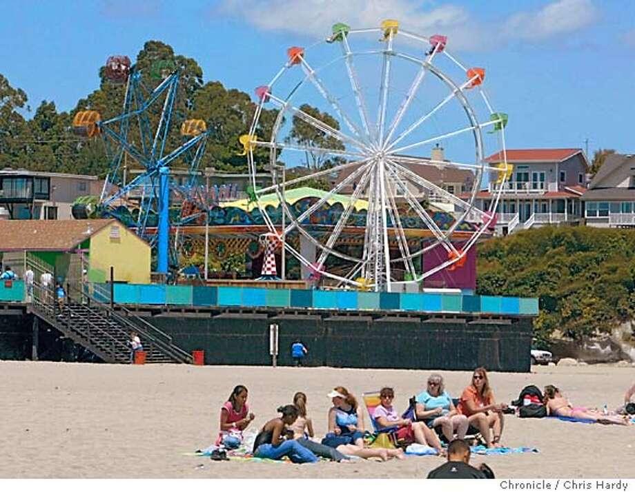 Travel story on Santa Cruz, the Boardwalk and the beach  in Santa Cruz  6/5/05 Chris Hardy / San Francisco Chronicle Photo: Chris Hardy
