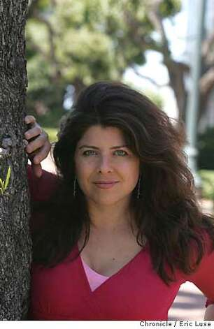 "wolf05_041_el.JPG Author Naomi Wolf, recent book called ""Treehouse""  Event on 5/20/05 in San Francisco Eric Luse / The Chronicle MANDATORY CREDIT FOR PHOTOG AND SF CHRONICLE/ -MAGS OUT Photo: Eric Luse"