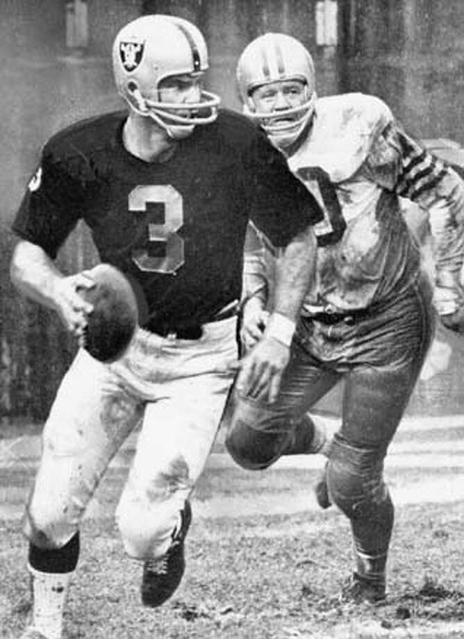 lamonica Daryle Lamonica and Charley Krueger 1972 on 12/16/04 MANDATORY CREDIT FOR PHOTOG AND SF CHRONICLE/ -MAGS OUT