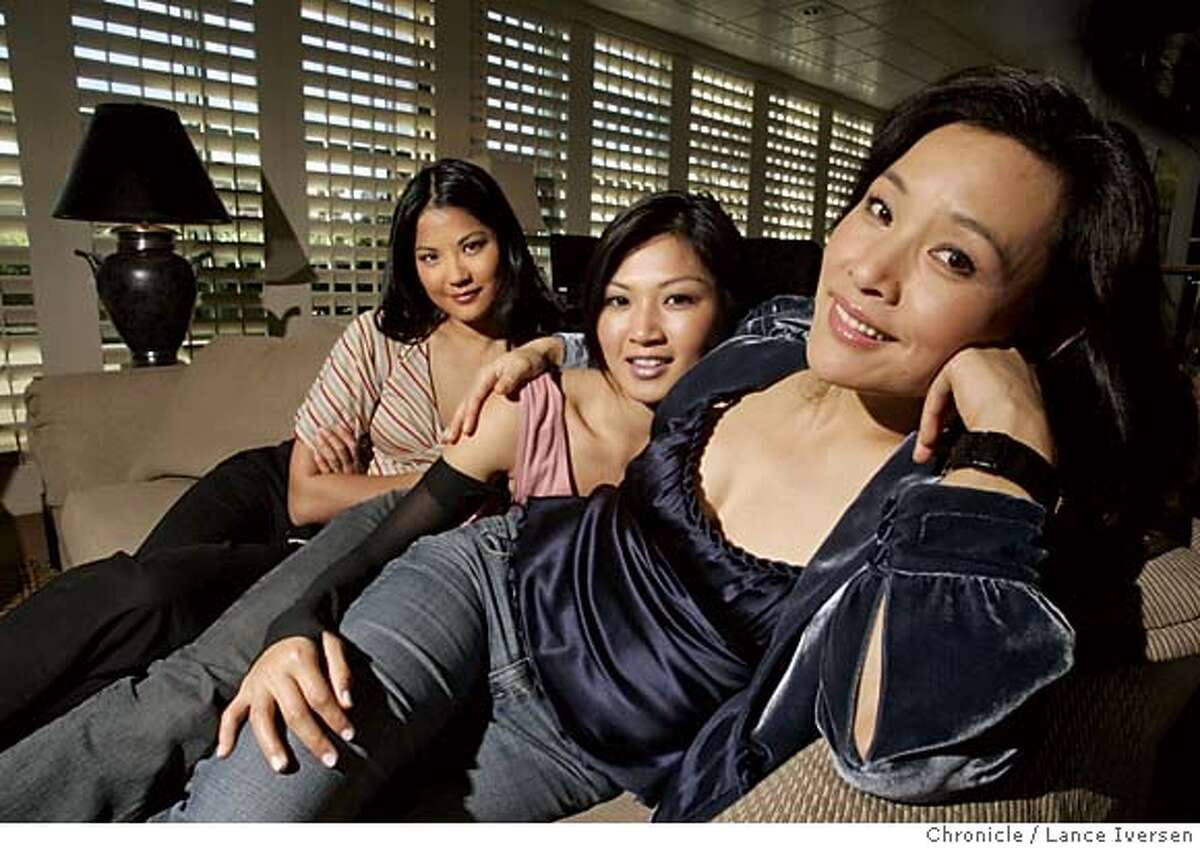 """CHEN010_54.jpg_ Actresses L to R Lynn Chen, Michelle Krusiec and Joan Chen star in the new film """"Saving Face,"""" which opens June 4. By Lance Iversen/San Francisco Chronicle ( Editors Note please confirm spelling of Krusiec--Thanxs--LI ) MANDATORY CREDIT PHOTOG AND SAN FRANCISCO CHRONICLE."""