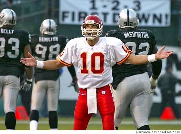 KC QB Trent Green reacts after his game winning TD throw to Eddie Kennison in the 4th quarter.  Oakland Raiders vs the Kansas City Chiefs at the Network Associates stadium in Oakland. KC won 34-27.  Photo by Michael Maloney / San Francisco Chronicle Photo: Michael Maloney