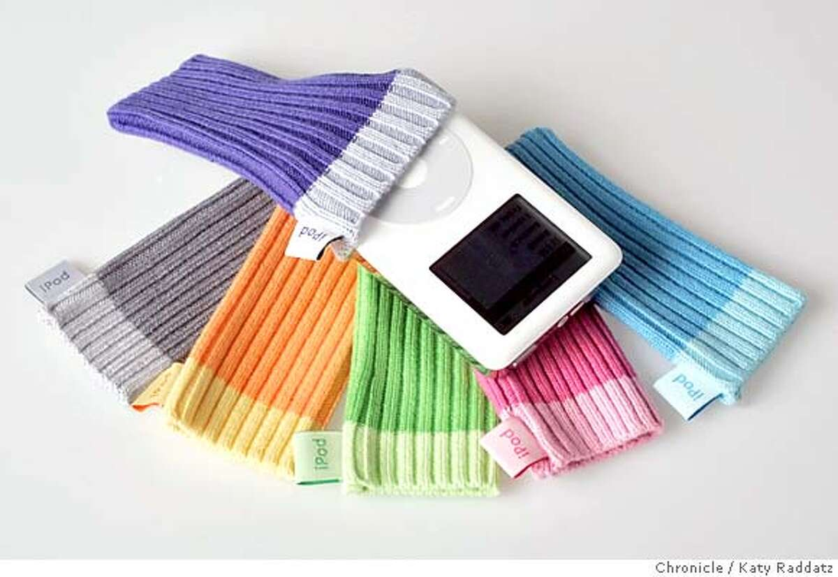 """IPOD06_rad.jpg Story is about iPod accessories. SHOWN: iPod """"socks"""" by Apple. Katy Raddatz / The Chronicle MANDATORY CREDIT FOR PHOTOG AND SF CHRONICLE/ -MAGS OUT Business#Business#Chronicle#12/6/2004##5star##0422494930"""