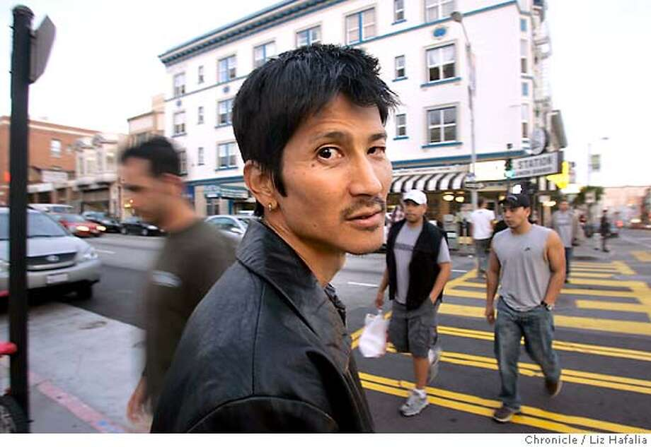 """Filmmaker Gregg Araki's new film, """"Mysterious Skin,"""" is already winning awards and stirring controversy with its gritty depiction of sex, lunacy and alien abduction in the American Midwest. The film opens in SF May 27. Shot in San Francisco on 5/19/05. Photo: Liz Hafalia"""