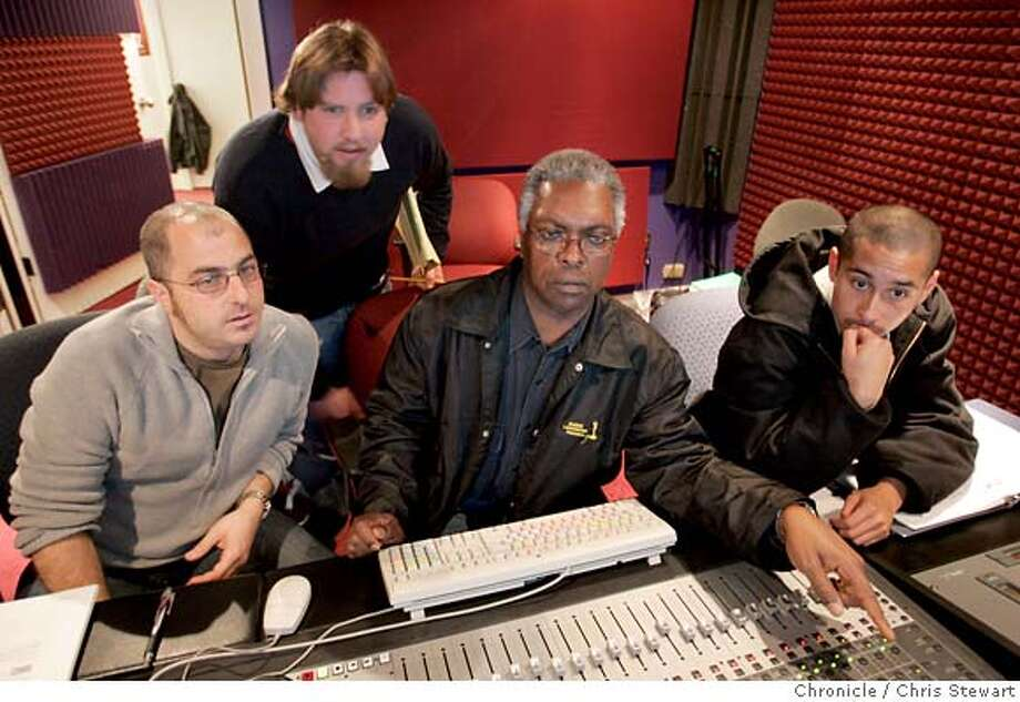 booker30062_cs.jpg  Event on 11/23/04 in San Francisco.  Soul great Booker T. Jones has gone back to school to learn digital recording. He is taking classes with two young amateur musician-engineers, Nick Perez, 21 (close cropped hair), and Jonathan Schickman, 25 (with beard). The course is taught by Greg Gordon (wearing glasses), co-owner of Pyramind Studios, where classes are held. Pyramind Studios is in SF.  Chris Stewart / The Chronicle MANDATORY CREDIT FOR PHOTOG AND SF CHRONICLE/ -MAGS OUT Datebook#Datebook#Chronicle#12/2/2004#ALL#Advance##0422482891 Photo: Chris Stewart