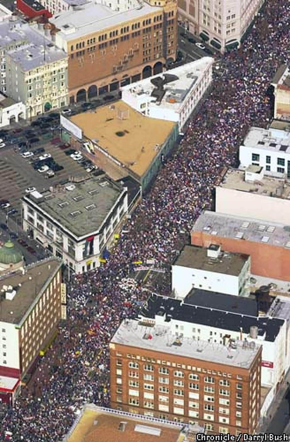 Peace march in downtown San Francisco drew thousands on Market Street. Chronicle Photo by Darryl Bush