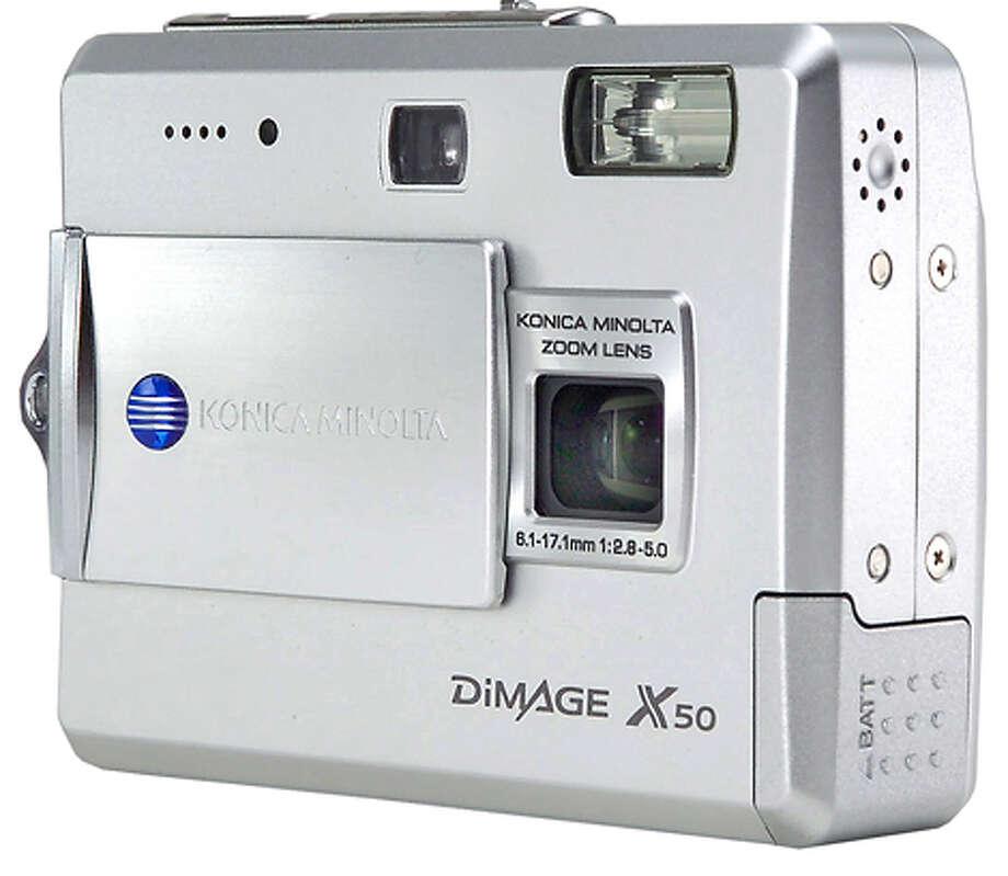 Konica Minolta Dimage X50.