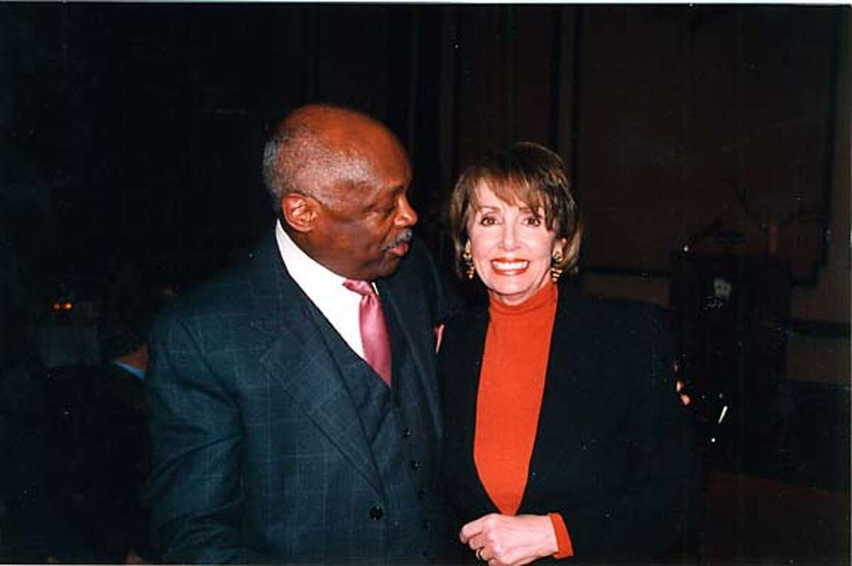 swells21_moose3 Willie Brown and Nancy Pelosi at North Beach Citizens on 11/16/04 MANDATORY CREDIT FOR PHOTOG AND SF CHRONICLE/ -MAGS OUT Living#Living#Chronicle#11/28/2004#ALL#Advance##0422470717