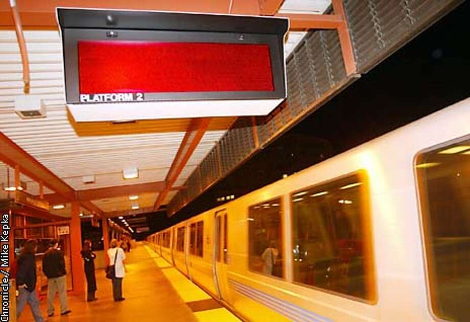All the signs at the Walnut Creek BART station are not working. BY MIKE KEPKA/THE CHRONICLE Photo: MIKE KEPKA