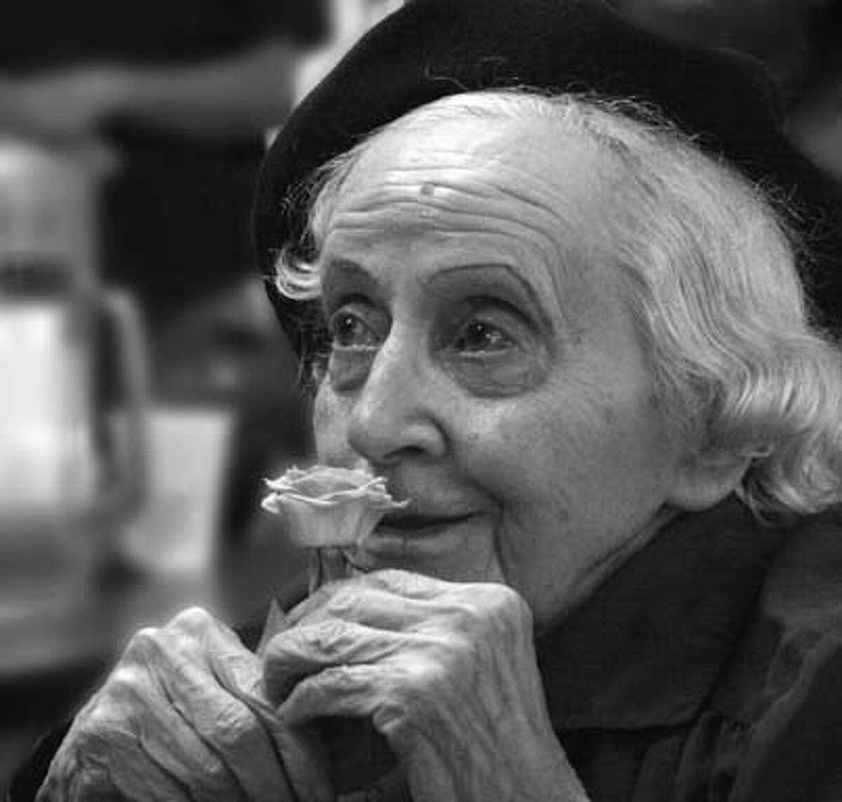 Obituary photo of Helen Parish.