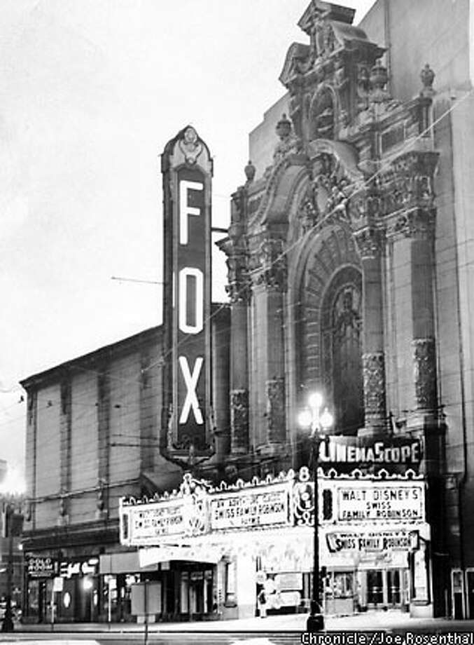 At Ninth and Market, the Fox stood a block removed from neighboring movie houses. Chronicle photo, 1961, by Joe Rosenthal