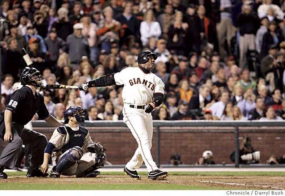 giants_123_db.jpg  Barry Bonds hits his 700th home run in the third inning. San Francisco Giants vs. San Diego Padres a SBC Park. 9/17/04 in San Francisco  Darryl Bush / The Chronicle Ran on: 12-25-2004 MANDATORY CREDIT FOR PHOTOG AND SF CHRONICLE/ -MAGS OUT Photo: Darryl Bush