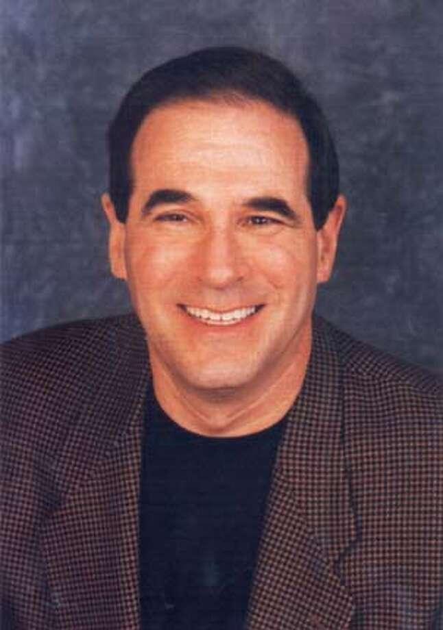 TALK05b-C-04OCT01-DD-HO KGO talk show host Ronn Owens. HANDOUT Datebook#Datebook#SundayDateBook#11-14-2004#ALL#Advance##422104832