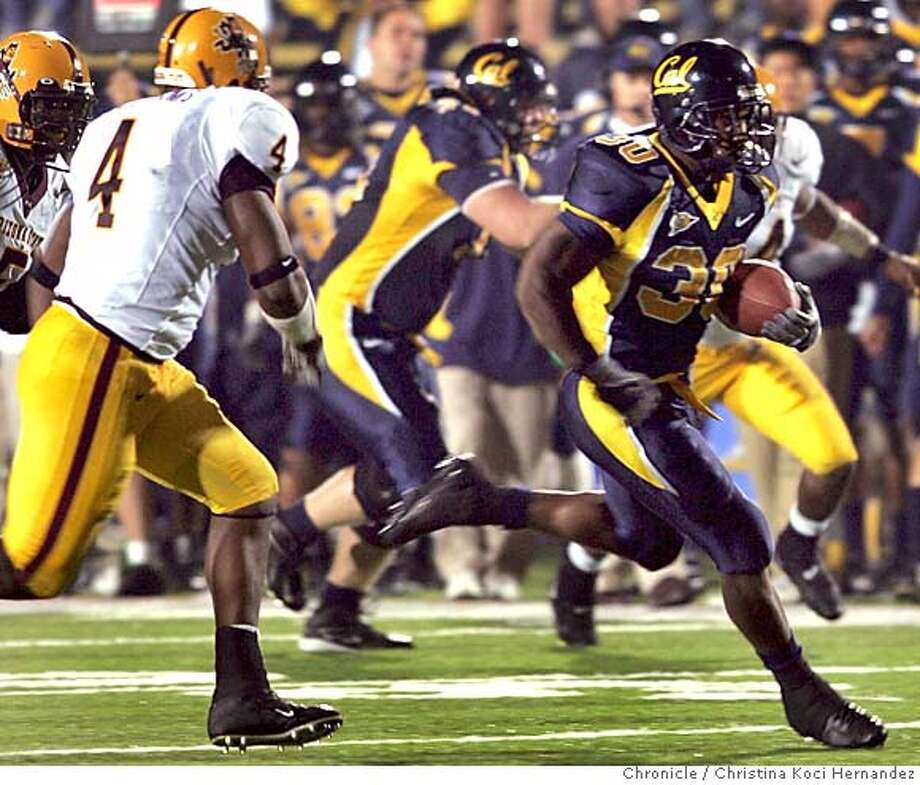 Cal's #30, J.J. Arrington, runs with the ball, in the 2nd quarter.CAL vs Arizona state .CHRISTINA KOCI HERNANDEZ/CHRONICLE Photo: CHRISTINA KOCI HERNANDEZ