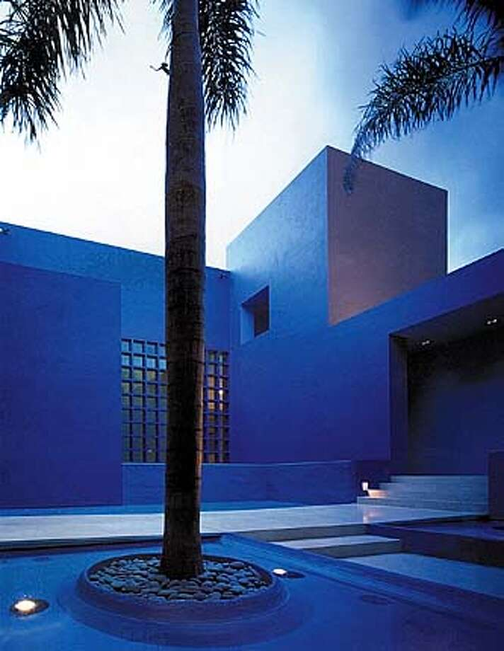 """House in Hawaii  From """"Legorreta + Legorreta"""" (Rizzoli) FOR USE WITH BOOK REVIEW ONLY"""