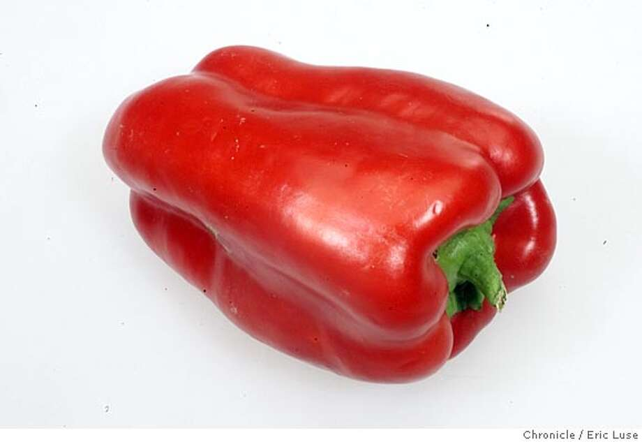 PEPPERS9C-C-11JUL01-MG-EL Bell Pepper BY ERIC LUSE/THE CHRONICLE CAT Photo: ERIC LUSE