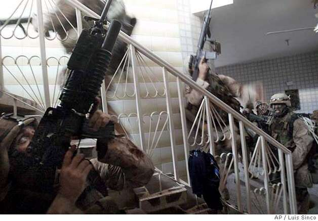 November 9, 2004--Fallouja, Iraq--Marines clear a house in the insurgent stronghold of Fallujah, Iraq. MANDATORY CREDIT: Luis Sinco/Los Angeles Times MANDATORY CREDIT*** , , NO FOREIGN, NO MAGS, LOS ANGELES DAILY NEWS OUT, OC REGISTER OUT, VENTURA COUNTY STAR OUT, INLAND VALLEY DAILY BULLETIN OUT, SAN BERNARDINO SUN OUT Photo: Luis Sinco