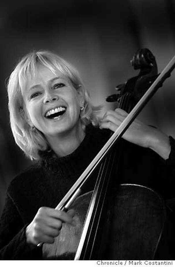 JENRENAUD_139_mc.jpg  Cellist Joan Jenrenaud, formerly of the Kronos Quartet, who is collaborating with Nubian oud master Hamza al Din.  Event on 11/4/04 in San Francisco. Mark Costantini / The Chronicle MANDATORY CREDIT FOR PHOTOG AND SF CHRONICLE/ -MAGS OUT Datebook#Datebook#SundayDateBook#11/7/2004#ALL#Advance##0422449397 Photo: Mark Costantini
