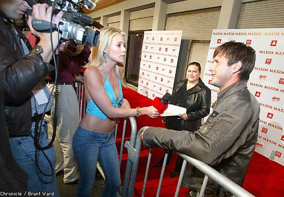PLAYBOY5-25JAN03-DD-BW--At the Maxim Superbowl party, Showtimes Shana Orlando interviewed David Arquette...By Brant Ward/Chronicle Photo: BRANT WARD