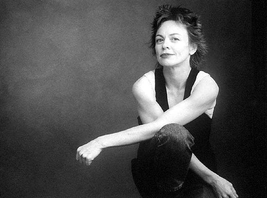 MUSICIAN AND PERFORMANCE ARTIST LAURIE ANDERSON CAT Datebook#Datebook#SundayDateBook#11-07-2004#ALL#Advance##421914618