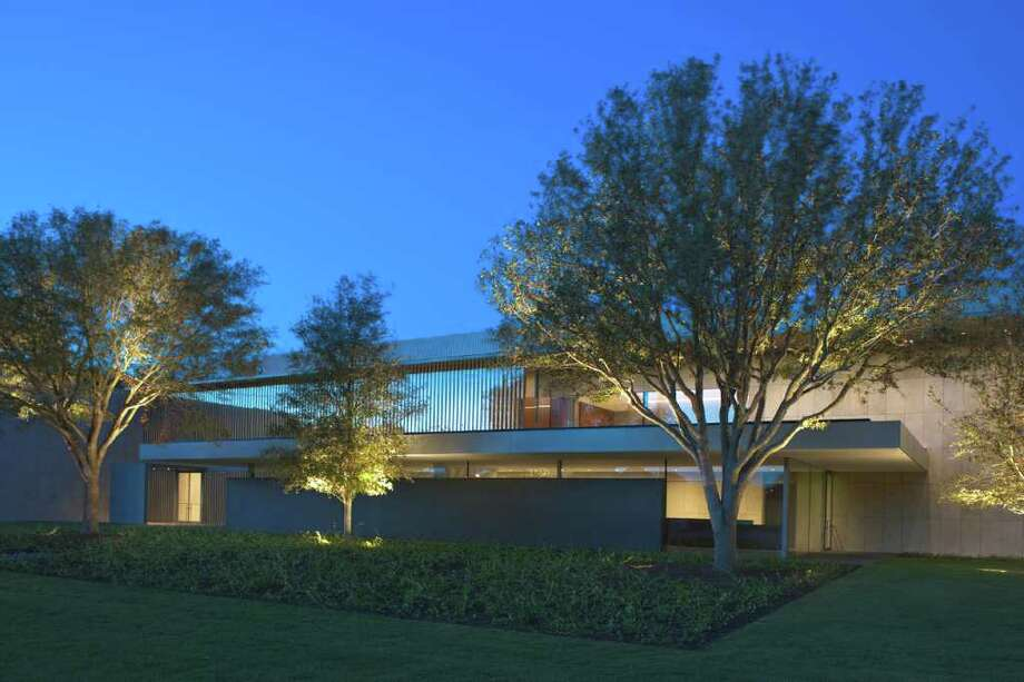 1) The new Asia Society Texas Center, designed by Yoshio Taniguchi, aims for minimalist, International Style perfection: an opulent nothingness. Photo: Paul Hester
