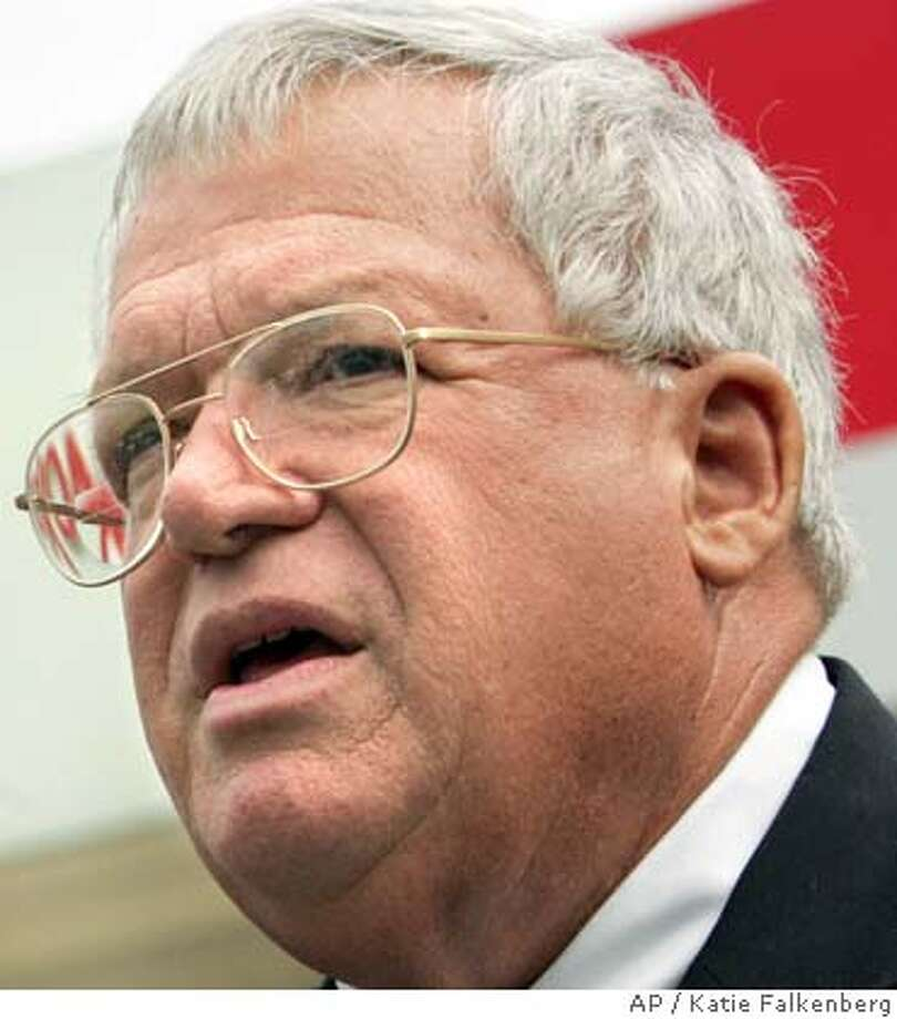 **FILE** House Speaker Dennis Hastert is shown in this April 21, 2005 photo. Hastert, leading a Republican retreat, said Wednesday, April 27, 2005, that he stands ready to scrap controversial new ethics rules. (AP Photo/Katie Falkenberg) Photo: KATIE FALKENBERG