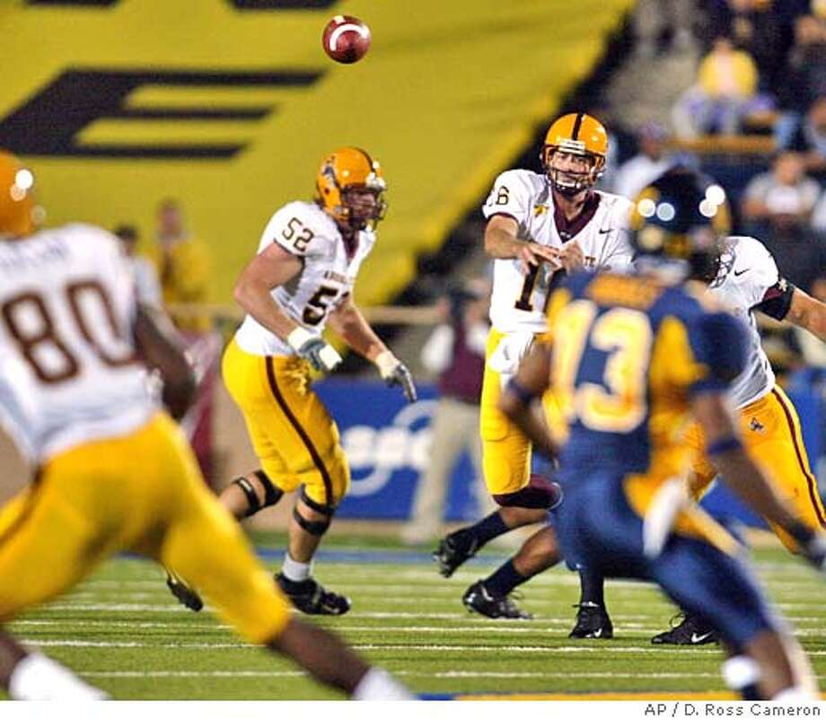 Arizona State quarterback Andrew Walter (16) throws a pass intended for Derek Hagan (80) against California during the first quarter Saturday, Oct. 30, 2004, in Berkeley, Calif. The pass fell incomplete. (AP Photo/D. Ross Cameron) Sports#Sports#Chronicle#10/31/2004#ALL#5star##0422441899 Photo: D. ROSS CAMERON