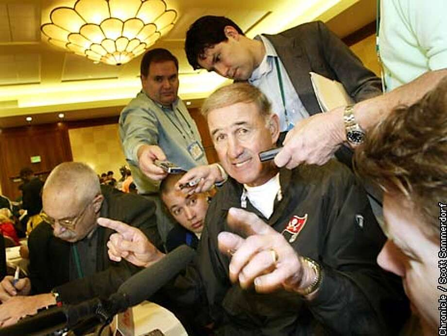 THURAIDSD1-c-23JAN03-SP-SS Tampa Bay Bucs defensive coordinator Monte Kiffin makes a point perfectly clear with the media during Thursday's press conference at the Buccaneer's hotel. SCOTT SOMMERDORF / San Francisco Chronicle Photo: Scott Sommerdorf
