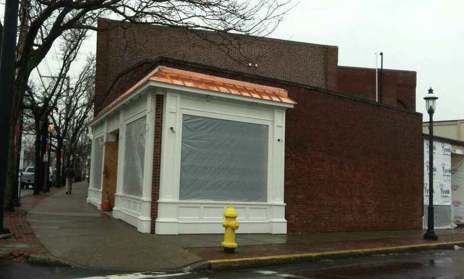 John Karageorge, owner of the former space for Las Vetas Lounge, has filed an application with the town  for a proposed rooftop patio on the corner spot. The proposal is slated to go before the Zoning Board of Appeals Thursday, Feb. 2, for a waiver for 10 required parking spaces. If a waiver for parking is granted, the plan will then go before the Town Plan & Zoning Commission for approval of the entire site. Photo: Michael C. Juliano/Staff Photo