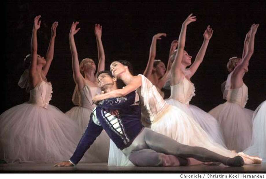 "ABT24a-C-21SEP01-DD-CKH CHRISTINA KOCI HERNANDEZ/CHRONICLE In ACT 2, ""Giselle"" Susan Jaffe rescues ""Count Albrecht"" Jose Manuel Carreno, from his death.American Ballet Theater dances ""Giselle"" at Zellerbach Hall in Berkeley. Datebook#Datebook#Chronicle#10/28/2004##Advance##422105898 Photo: CHRISTINA KOCI HERNANDEZ"