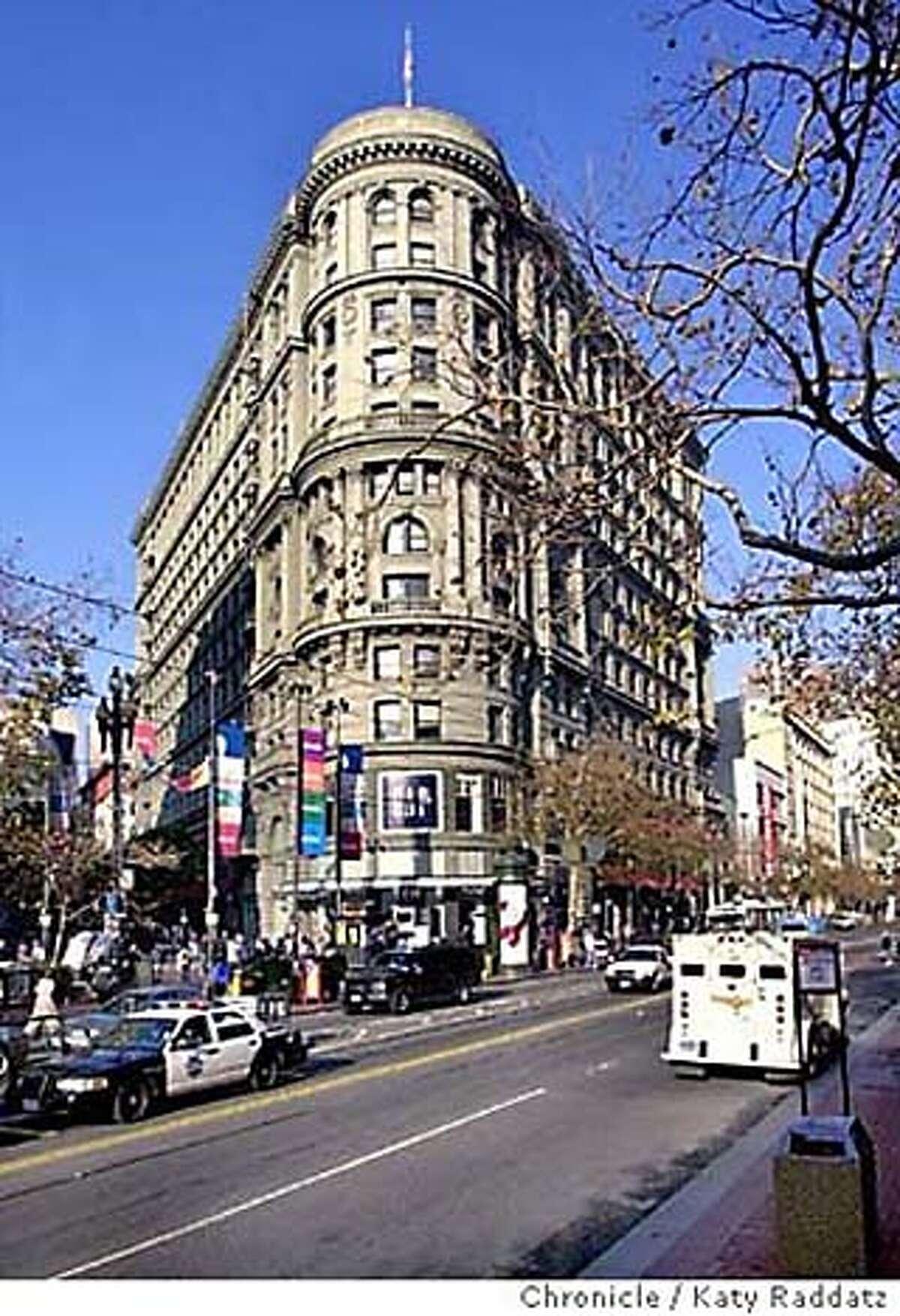 Photos of The Flood Building in San Francisco. Datebook#Datebook#SundayDateBook#10-31-2004#ALL#Advance##0422421247
