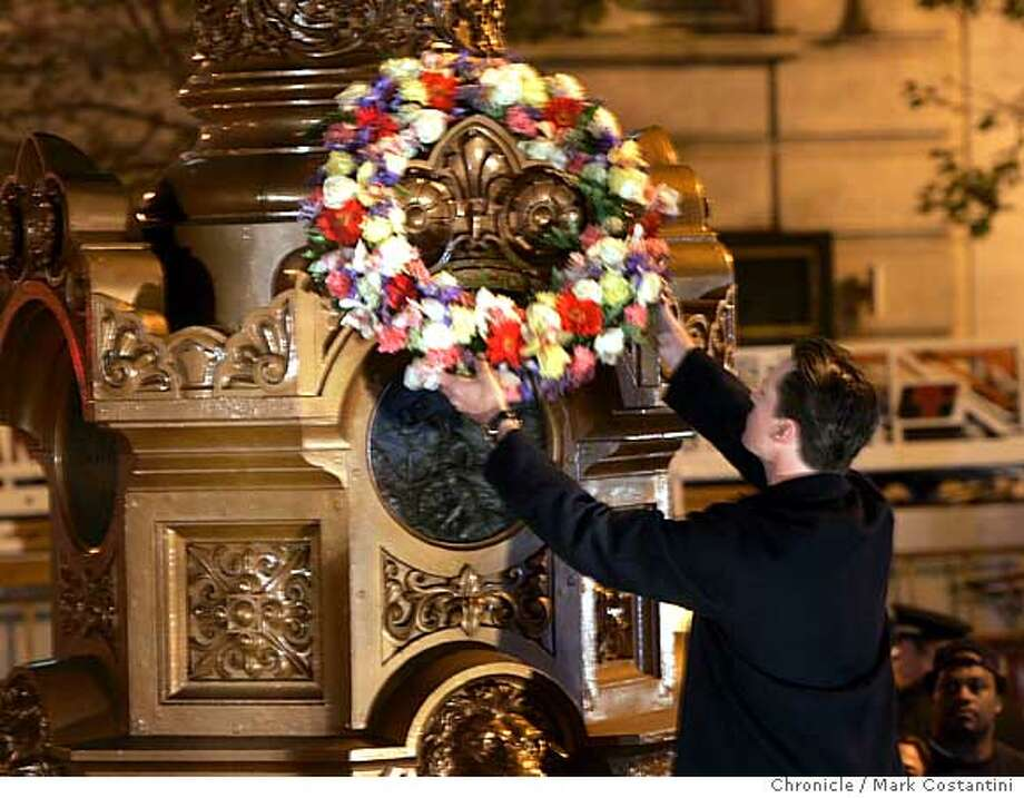 Mayor Gavin Newsom places wreath on LoTta's fountain.  San Francisco commemorates the 99th anniversary of the 1906 earthquake and fire that destroyed much of san francisco. the earthquake struck at 5:13am.  Mark Costantini/San Francisco Chronicle Photo: Mark Costantini