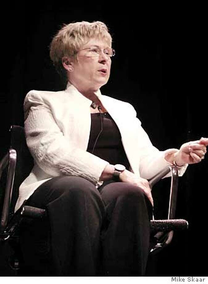 Photo of Eva Maddox at the IADA talk April 12, 2005. Photo by Mike Skaar Photo: Mike Skaar