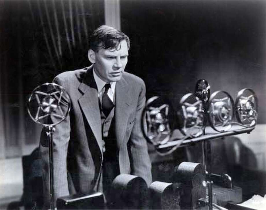 POLITICAL MOVIES27A.JPG Walter Huston as the President in GABRIEL OVER THE WHITE HOUSE (1933). HO MANDATORY CREDIT FOR PHOTOG AND SF CHRONICLE/ -MAGS OUT Datebook#Datebook#Chronicle#10/27/2004#ALL#5star-dot##0422431885