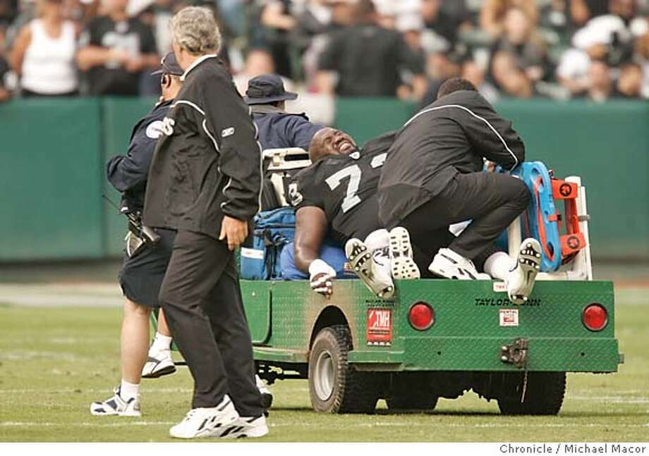 raiders_011_mac.jpg Raider 73- Frank Middleton injured in the first quarter is taken off the field in a cart. NFL Football. The Oakland Raiders vs. The New Orleans Saints. Network Associates Coliseum.  10/24/04 Oakland, CA Michael Macor / San Francisco Chronicle Mandatory Credit for Photographer and San Francisco Chronicle/ - Magazine Out Sports#Sports#Chronicle#10/26/2004#ALL#5star##0422430481 Photo: Michael Macor