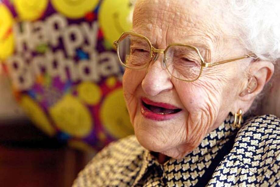 Nick Lammers/staff 6/10/04 tribune news  Oakland's Alma Grigsby turns 108 on June 15.