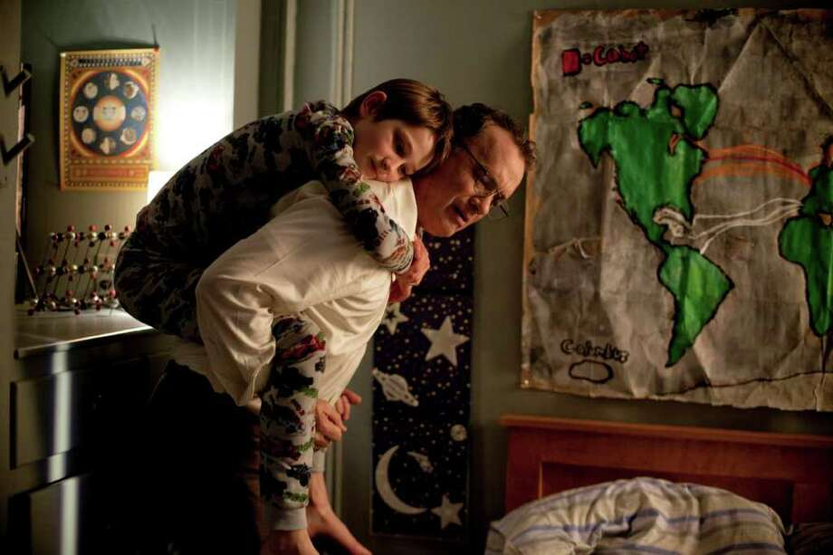 Thomas (Tom Hanks) and Oskar (Thomas Horn) had a special father-son bond. Photo: François Duhamel / © 2011 Warner Bros. Entertainment Inc.