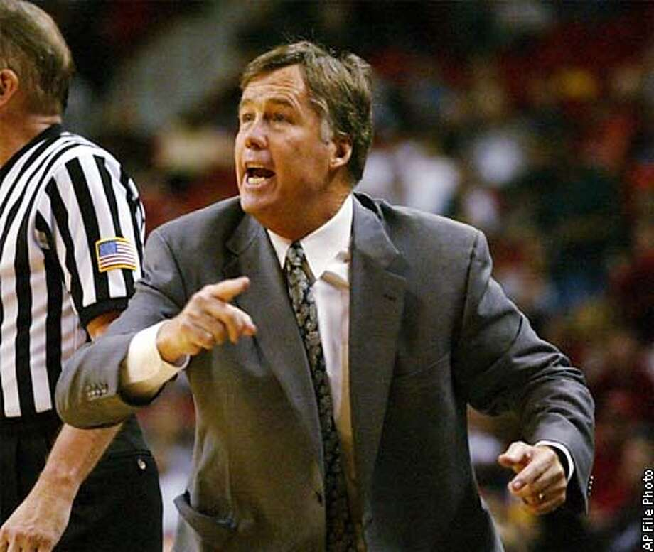 Stanford coach Mike Montgomery gives his team directions from the sideline during the second half against UNLV in a Las Vegas Showdown game at the Thomas & Mack Center in Las Vegas on Saturday, Dec. 21, 2002. Stanford won 77-66, giving Montgomery his 500th career victory. (AP Photo/Lori Cain) Photo: LORI CAIN