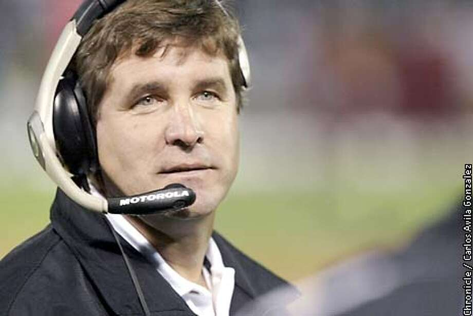 Raiders head coach, Bill Callahan on the sidelines at the 49ers/Raiders preseason game on Saturday, August 24, 2002.  (BY CARLOS AVILA GONZALEZ/THE SAN FRANCISCO CHRONICLE) FOOTBALL PREVIEW SECTION ALSO RAN 10/20/02, 01/03/03 Photo: CARLOS AVILA GONZALEZ