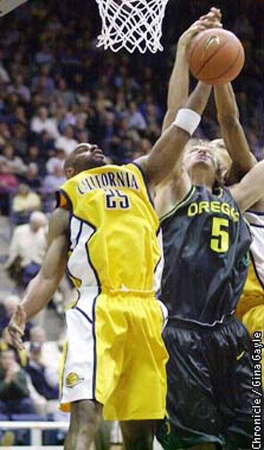 Cal's Brian Wethers and Oregon's Matt Short go for a rebound in the first half at Haas Pavilion. Photo by Gina Gayle/The SF Chronicle. Photo: GINA GAYLE