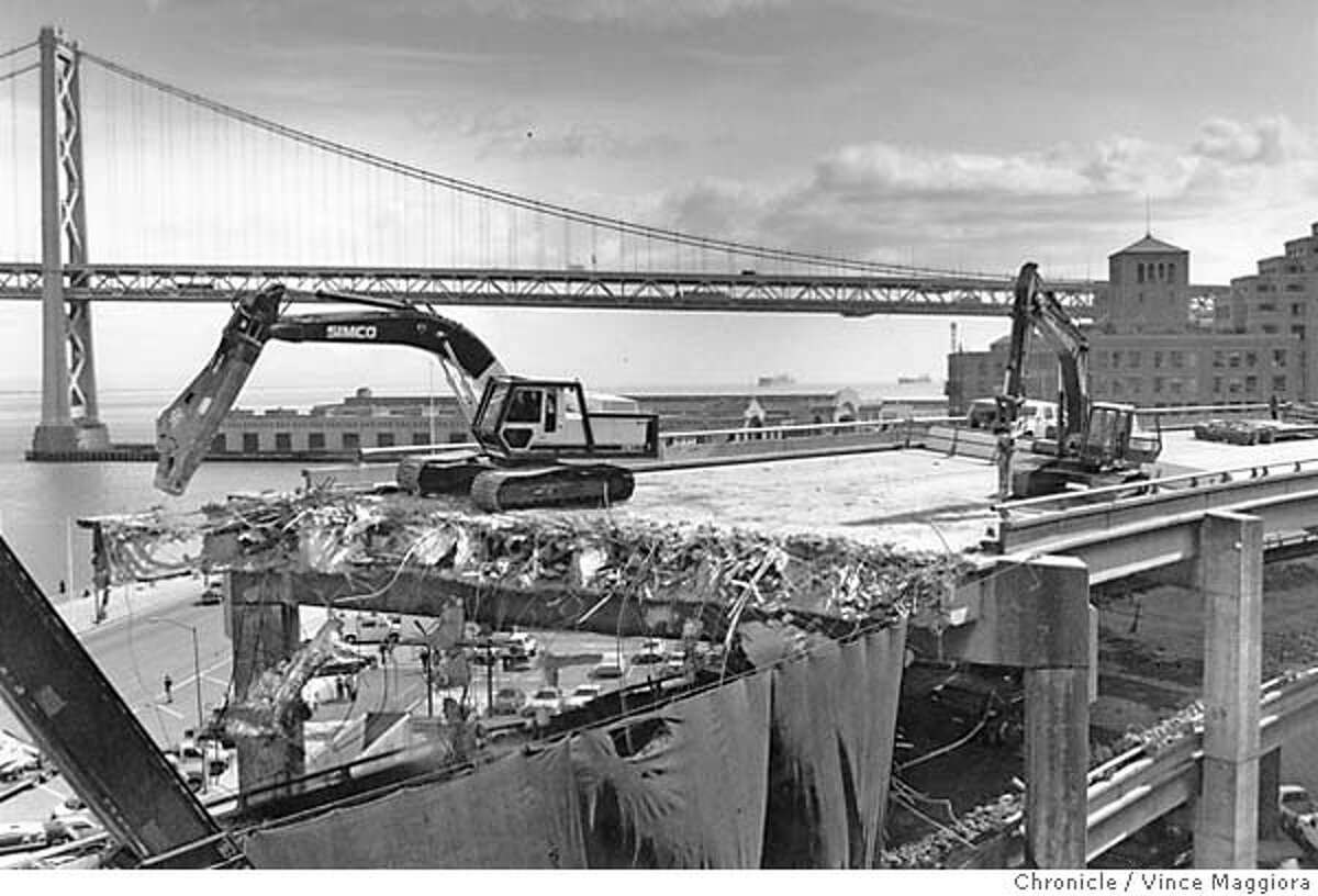 Demolition of the Embarcadero Freeway above Howard St. Photo by Vince Maggiora
