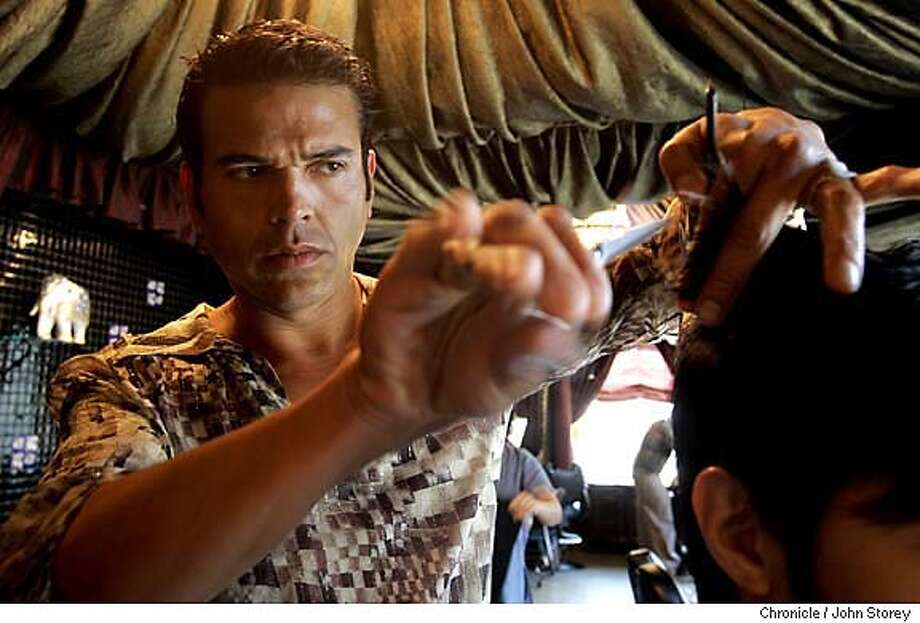 Hairwars_jrs_0172_jpg.JPG  Edgardo Chacon, a hair stylist that cuts Mayor Gavin Newsom's hair in the Kamalaspa Hair Salon in San Francisco.  John Storey San Francisco Event on 3/25/05 MANDATORY CREDIT FOR PHOTOG AND SF CHRONICLE/ -MAGS OUT Photo: John Storey