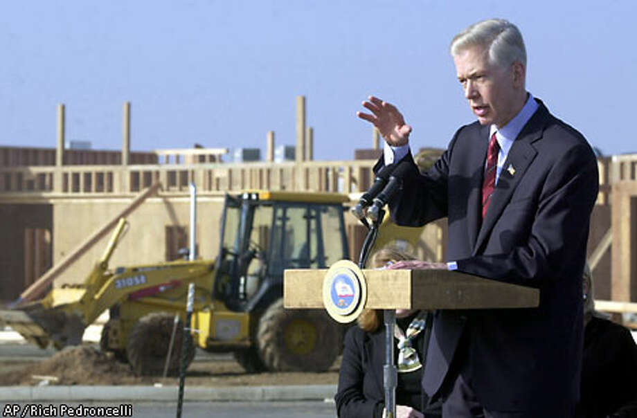 Gov. Gray Davis outlines a plan to create 500,000 new jobs for California during a tour of a construction site in Elk Grove (Sacramento County). Associated Press photo by Rich Pedroncelli