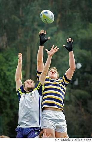 �RUGBYMAGXX_3787_MBK.JPG Louis Stanfill stretches for control during a line-in as Cal makes its way to a shut out versus UC Davis at Berkeley, CA, on Saturday, January, 27, 2007. photo taken: 1/27/07 Mike Kane / The Chronicle ** Louis Stanfill MANDATORY CREDIT FOR PHOTOG AND SF CHRONICLE/NO SALES-MAGS OUT Photo: MIKE KANE
