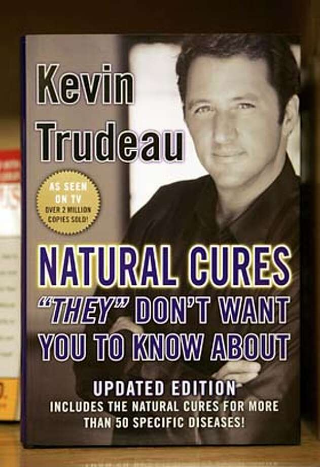 "kevintrudeau_001_db.jpg  Kevin Trudeau book: Natural Cures ""They"" Don't Want You to Know About, at the Health & Medicine section of Borders bookstore at Union Square.  Event on 8/27/05 in San Francisco.  Darryl Bush / The Chronicle MANDATORY CREDIT FOR PHOTOG AND SF CHRONICLE/ -MAGS OUT Photo: Darryl Bush"