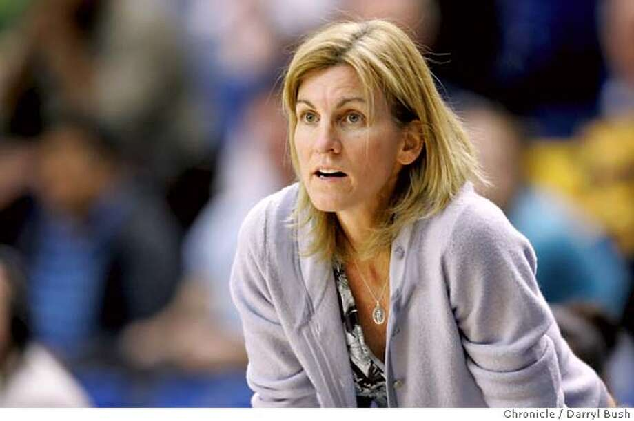 _P4I0243.JPG  California Golden Bear's women's basketball head coach, Joanne Boyle on the sidelines during a game vs. San Jose State.  Event on 12/8/05 in San Jose.  Darryl Bush / The Chronicle MANDATORY CREDIT FOR PHOTOG AND SF CHRONICLE/NO SALES-MAGS OUT Photo: Darryl Bush