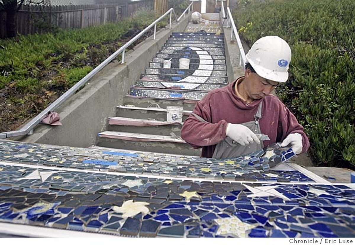 TILE SETTER SALARY RANGE: $71,552 - $86,970 EXPERIENCE: Completion of for year apprenticeship and four years as journeyman-level tile setter More details