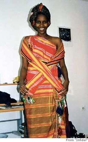 Source url: http://www.dressesphotos.com/image/somali_dresses/7