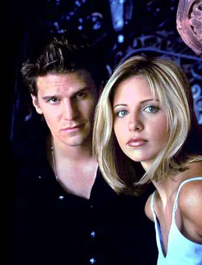 "RECORD BREAKING ""NEW TUESDAY"" DEBUT ON THE WEB -- The winning combination of ""Buffy the Vampire Slayer"" (Tuesdays at 8 p.m. ET) and the critically acclaimed drama ""Dawson's Creek"" (Tuesdays at 9 p.m. ET) propelled The WB to an all-time high with a 5.0 rating/8 share. (Left photo) David Boreanaz, Sarah Michelle Gellar (""Buffy the Vampire Slayer"") (Right photo) Joshua Jackson, Katie Holmes, James Van Der Beek and Michelle Williams (""Dawson's Creek"" cast) (Business Wire photo) ALSO RAN 10/02/2001 Photo: FRANK OCKENFELS FOR THE WB NETWO"