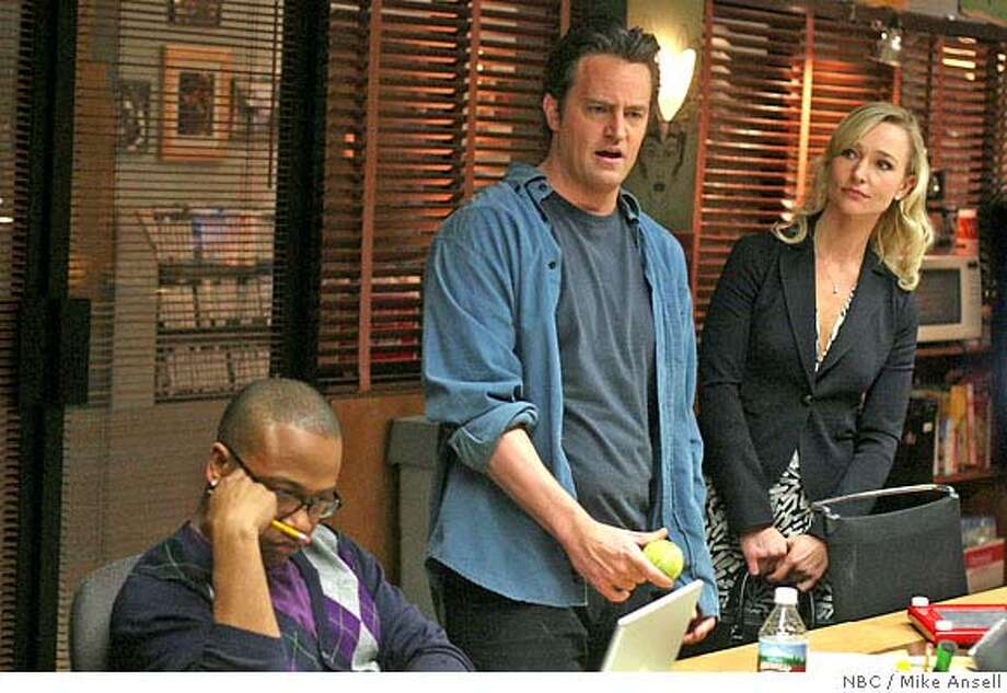 "�STUDIO 60 ON THE SUNSET STRIP -- ""4 a.m. Miracle"" Episode 16 -- Pictured: (l-r) Matthew Perry as Matt Albie, Kari Matchett as Mary Tate -- NBC Photo: Mike Ansell FOR EDITORIAL USE ONLY -- NOT FOR RESALE -- DO NOT ARCHIVE"
