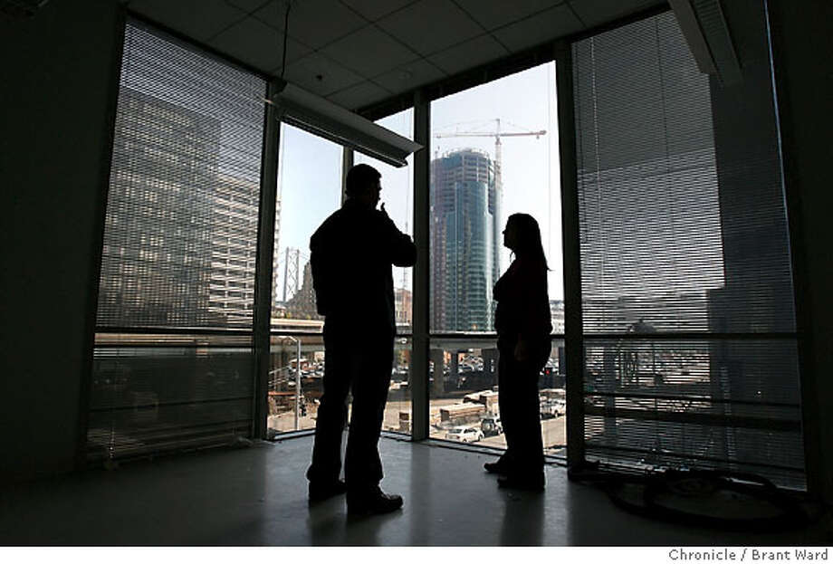 tech_estate166.JPG  Out a southern window on the third floor, Sean Pate, left, and Giselle Bonilla (corporate facilities manager) talk inside what will become executive offices. There is a view of a new office tower being built in background.  San Francisco has become, yet again, the place to be in high technology. Industry superstars like Yahoo, Microsoft and Salesforce.com are leading the boom. StubHub, the online ticket seller has just leased the second and third floors of the 199 Fremont Street building and are hoping to move in March 1.  {Brant Ward/San Francisco Chronicle}2/14/07 Ran on: 02-18-2007  New offices for StubHub, an online ticket seller, are being renovated at 199 Fremont St. in San Francisco as new construction rises nearby.  Ran on: 02-17-2007 Photo: Brant Ward